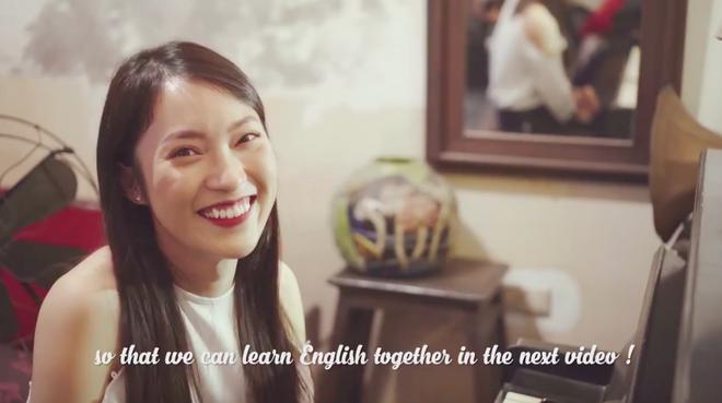 Khánh Vy đánh piano, cover một lượt bài hát của Chi Pu bằng tiếng Anh - Ảnh 3.