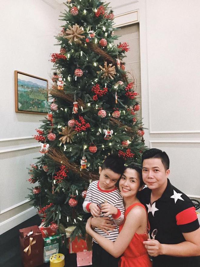 Tăng Thanh Hà và hội bạn tri kỷ tổ chức tiệc Giáng sinh sớm cho các con - Ảnh 1.