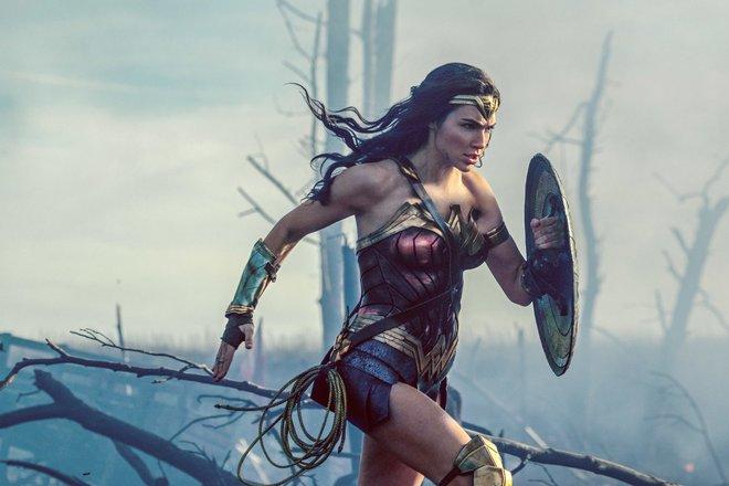 3 nữ thần đến từ Vũ trụ Điện ảnh DC này chắc chắn sẽ đốn tim bạn! - Ảnh 9.