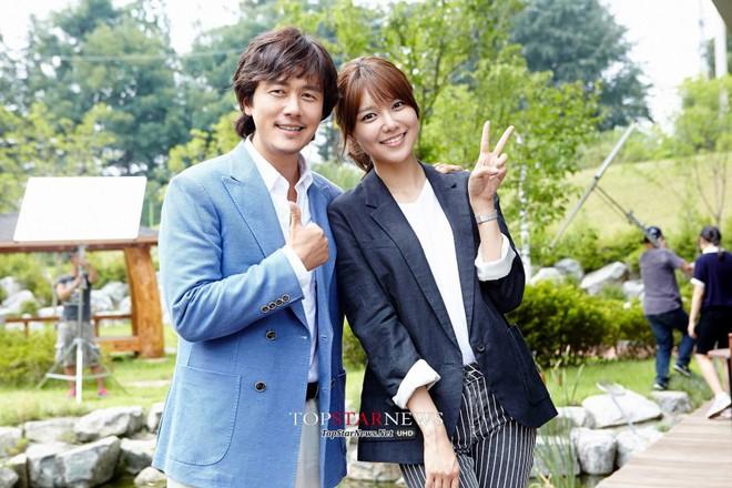Sốc vì độ lệch tuổi ở các cặp đôi phim Hàn: Một giáp có là gì, giờ toàn 20 tuổi! - ảnh 15