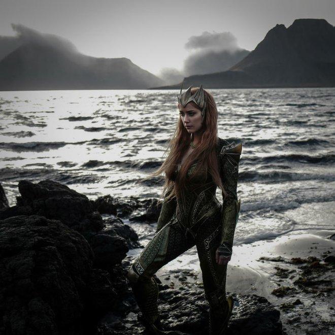 3 nữ thần đến từ Vũ trụ Điện ảnh DC này chắc chắn sẽ đốn tim bạn! - Ảnh 12.