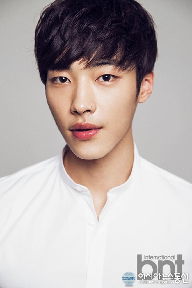 """Điểm mặt 6 hot boy mới nổi của màn ảnh Hàn được """"săn đón"""" vì quá đẹp trai - Ảnh 4."""