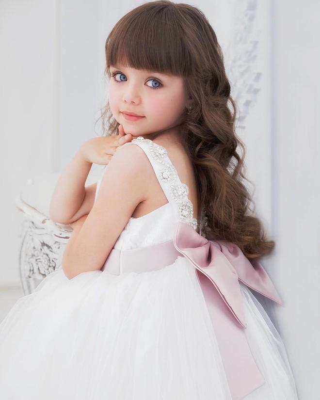 Chiêm ngưỡng dung nhan của bé gái xinh nhất thế giới - Ảnh 17.