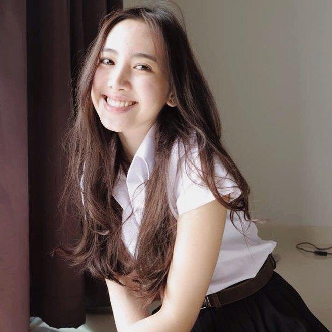 Chẳng cần xinh xuất sắc, cô bạn Thái Lan với nụ cười tươi như hoa hậu vẫn khiến người ta yêu thầm - Ảnh 3.
