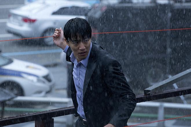 Điện ảnh Hàn tháng 10: Cuộc đổ bộ của loạt ông hoàng phòng vé - Ảnh 16.