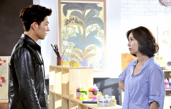 Sốc vì độ lệch tuổi ở các cặp đôi phim Hàn: Một giáp có là gì, giờ toàn 20 tuổi! - ảnh 17