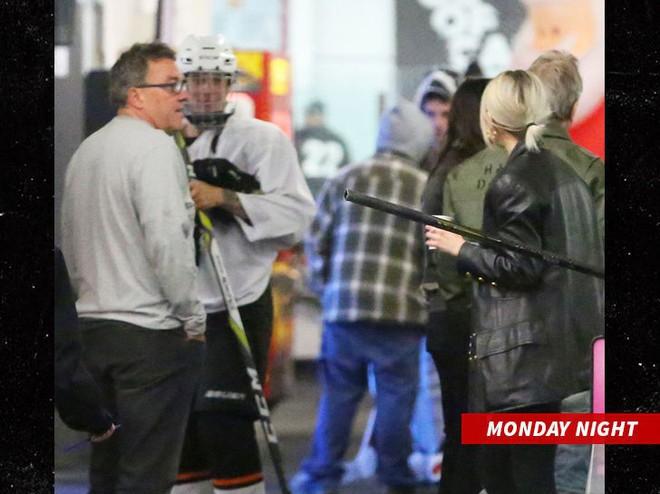 Mẹ Selena Gomez đã tức đến mức nhập viện khi nghe tin con gái tái hợp với Justin Bieber - Ảnh 2.