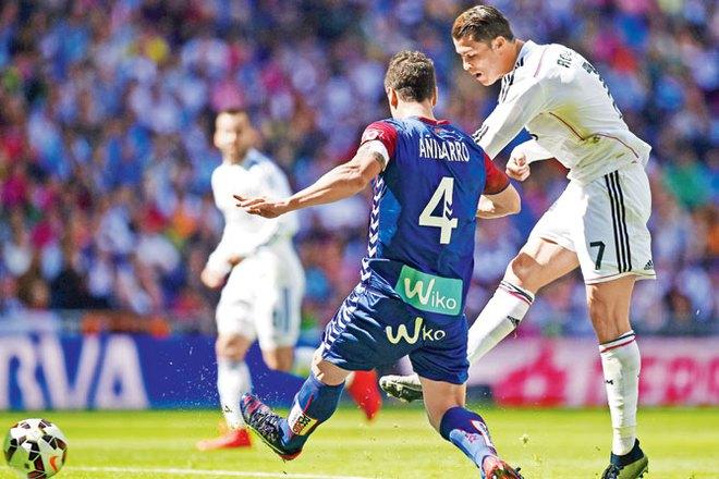 Kỷ lục gia Cristiano Ronaldo qua những con số - Ảnh 4.