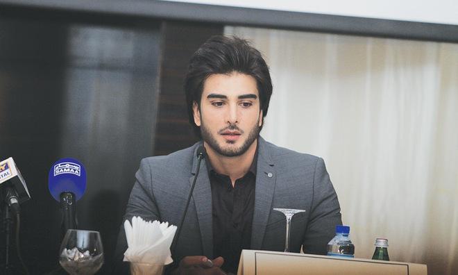 """Đây là nam chính """"hơn đứt Song Joong Ki"""" của """"Hậu Duệ Mặt Trời bản Pakistan"""" và sự thật đằng sau - Ảnh 9."""