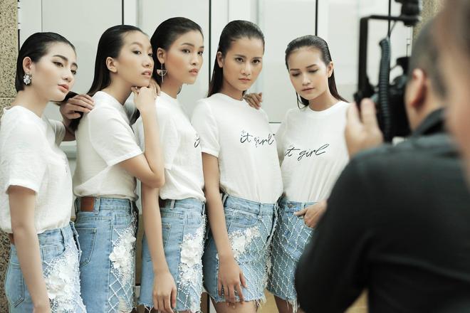 T-shirt với font chữ viết tay, món mới siêu hot đang được giới trẻ châu Á diện miết mải - Ảnh 13.