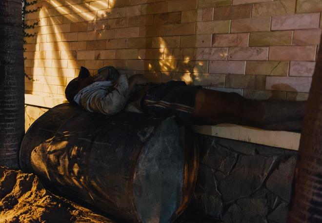 Chùm ảnh: Những công nhân miệt mài dưới lòng đất khi Sài Gòn chìm vào giấc ngủ - Ảnh 15.