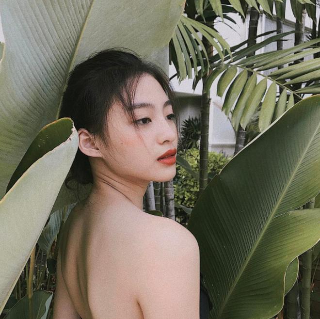 """4 cô nàng Việt sở hữu đôi môi dày mọng """"nhìn là muốn cắn"""" - Ảnh 12."""