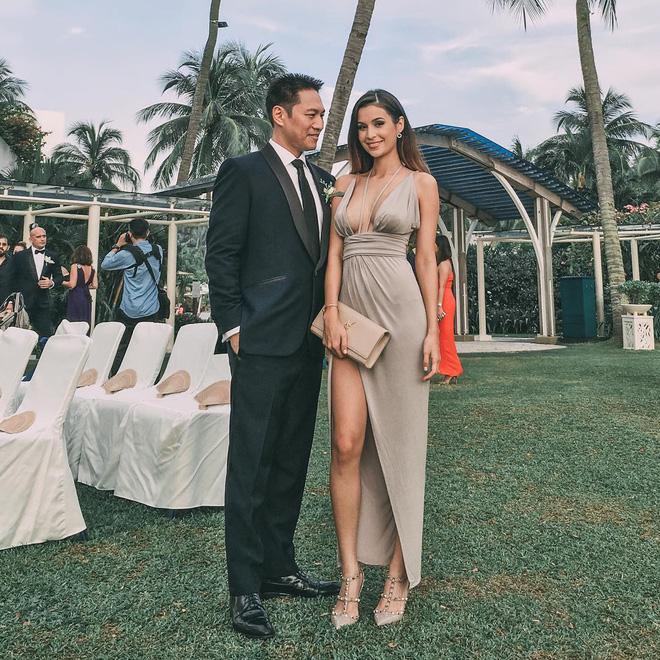 Bà mẹ bỉm sữa Singapore gây bão Facebook Việt vì vẻ đẹp quá gợi cảm, về dáng chỉ 3 tuần sau khi sinh đôi 22