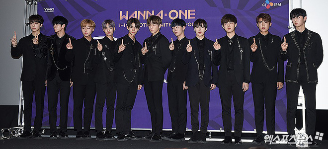 Trai đẹp Wanna One đồng loạt khoe mặt trắng loang lổ, nhưng kéo đến ảnh của Dispatch thì đúng là cạn lời - ảnh 20