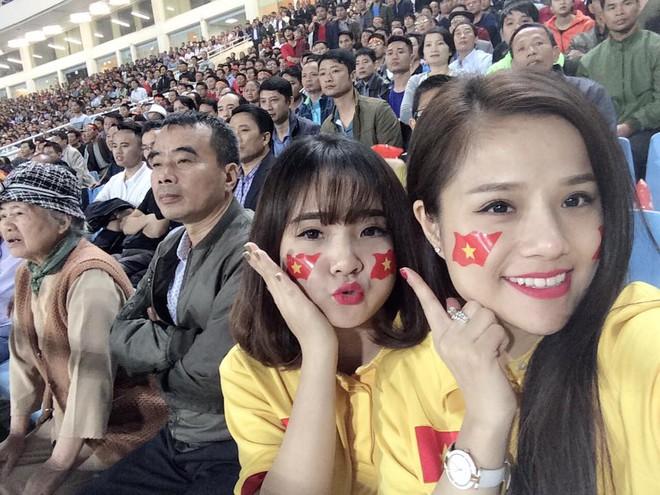 Bạn gái mới của Đặng Văn Lâm từng được dân mạng săn tìm sau một trận đấu - Ảnh 2.