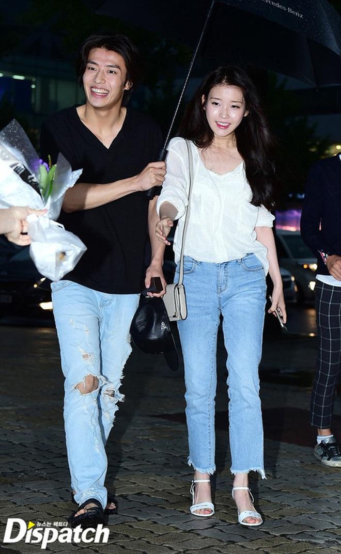 """Lộ ảnh được cho là bằng chứng cặp đôi """"Người tình ánh trăng"""" Kang Ha Neul và IU đang hẹn hò - Ảnh 3."""