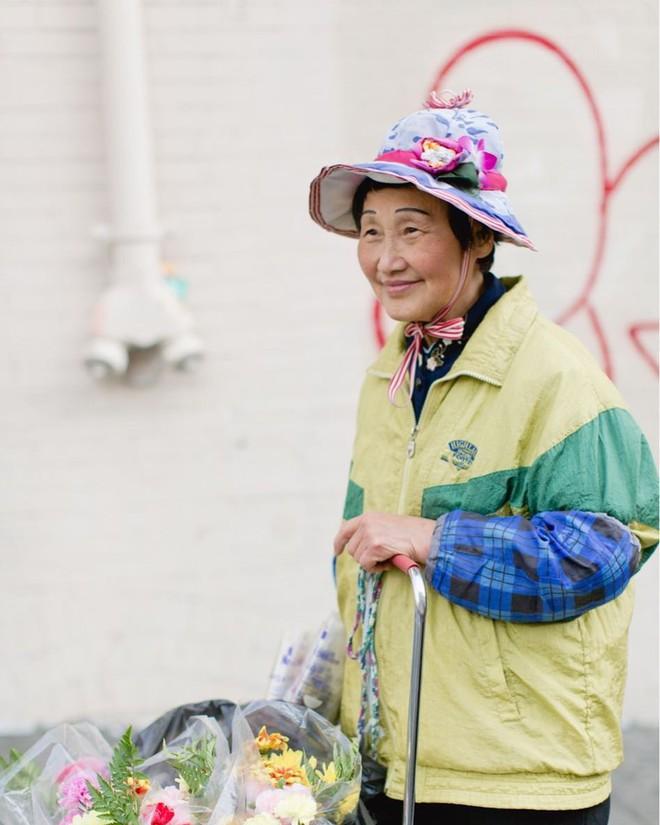 Không đăng hình giới trẻ, tài khoản Instagram này lại tôn vinh street style đi chợ của các cụ già và được hưởng ứng vô cùng - ảnh 18