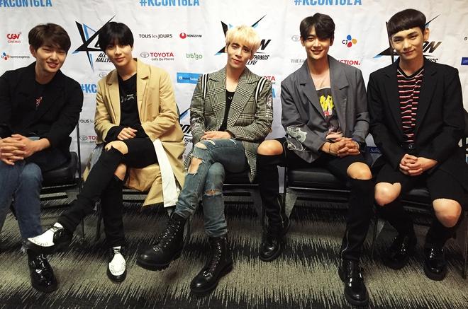 Nửa cuối 2017: Đại hội boygroup SM trên sàn đấu Kpop - Ảnh 2.