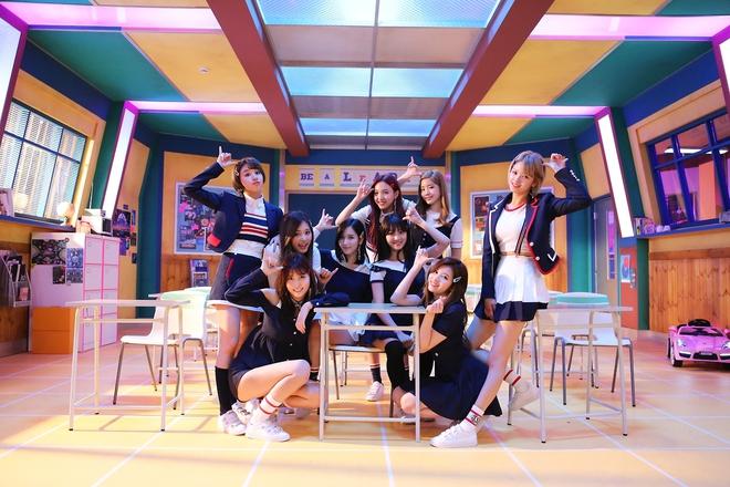 Netizen đã ngán tận cổ khi TWICE suốt ngày õng ẹo hát nhạc đáng yêu rồi - Ảnh 6.