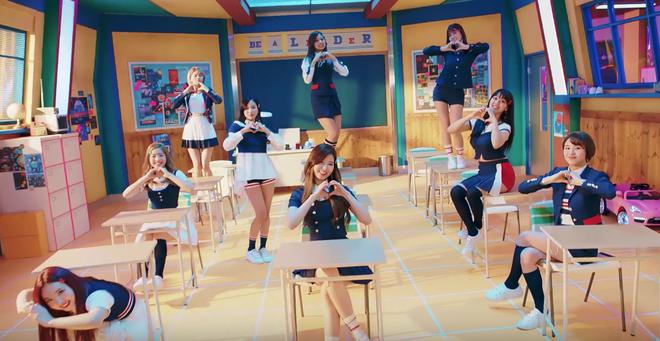 Sao bài hát của JYP dở mà TWICE lại chọn để quảng bá? - Ảnh 1.