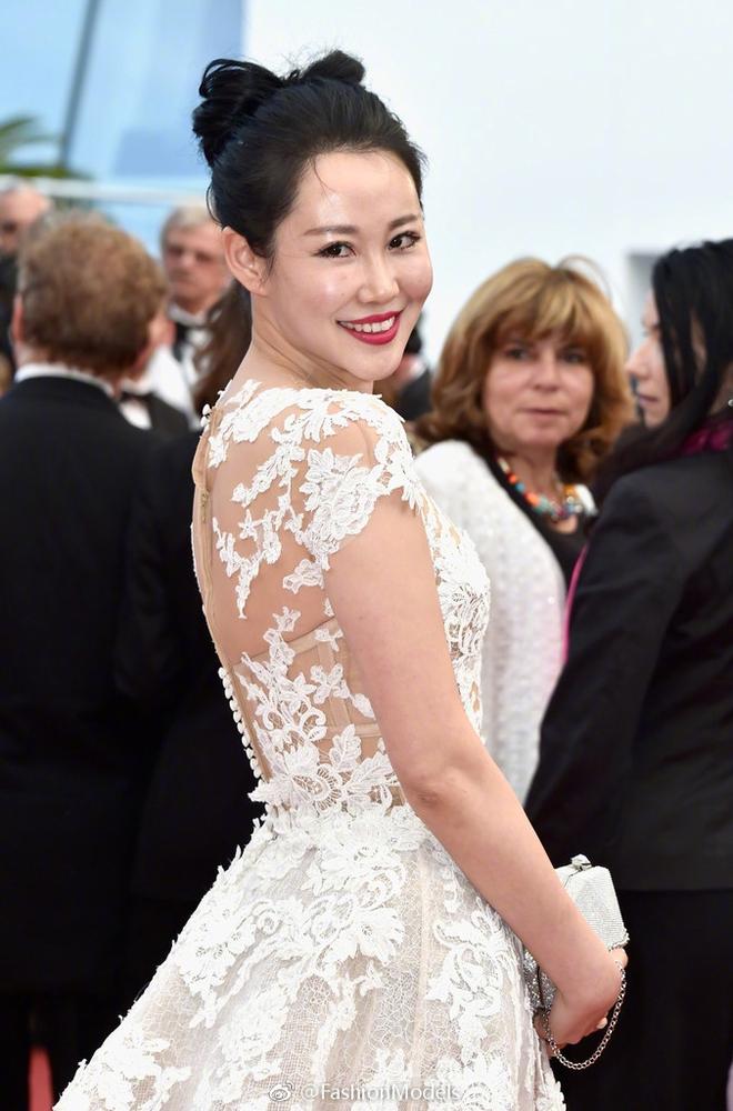 Tổng kết Cannes 2017: Nhiều mỹ nhân vô danh Cbiz ăn mặc phản cảm, bon chen từ đầu đến cuối sự kiện! - Ảnh 12.