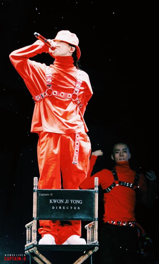 Loạt ảnh siêu ảo từ concert G-Dragon: Lúc chất phát ngất, lúc cười tít mắt, áo trễ hở ti - Ảnh 15.