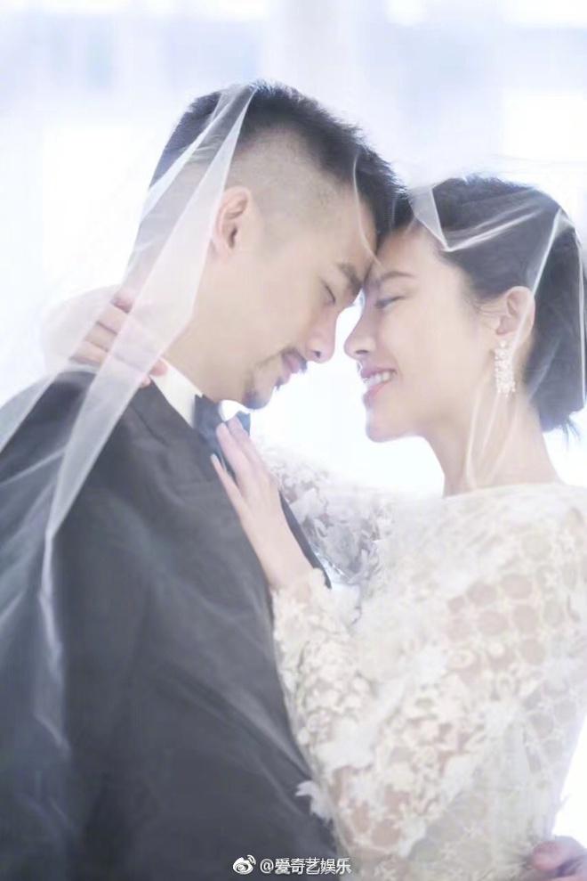 Đám cưới nhà người ta nhưng netizen chỉ chú ý đến đôi bạn thân Triệu Vy - Tô Hữu Bằng lâu lắm mới hội ngộ - Ảnh 9.
