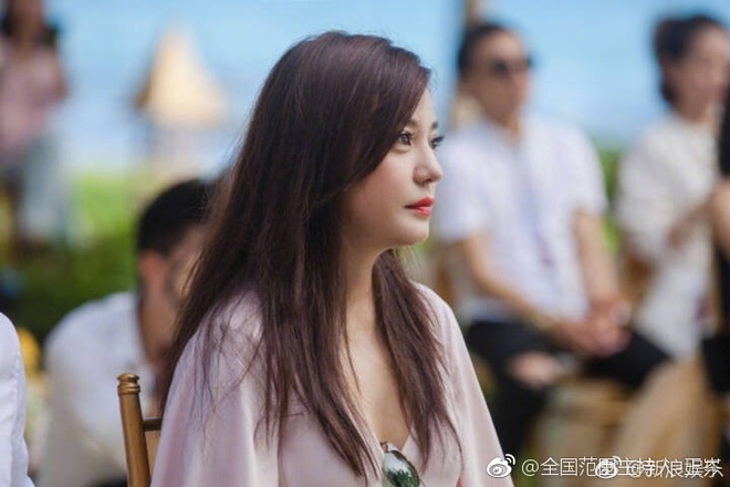 Đám cưới nhà người ta nhưng netizen chỉ chú ý đến đôi bạn thân Triệu Vy - Tô Hữu Bằng lâu lắm mới hội ngộ - Ảnh 5.