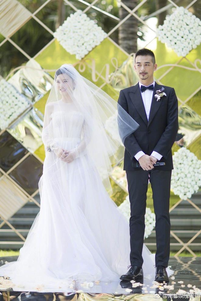 Đám cưới nhà người ta nhưng netizen chỉ chú ý đến đôi bạn thân Triệu Vy - Tô Hữu Bằng lâu lắm mới hội ngộ - Ảnh 11.