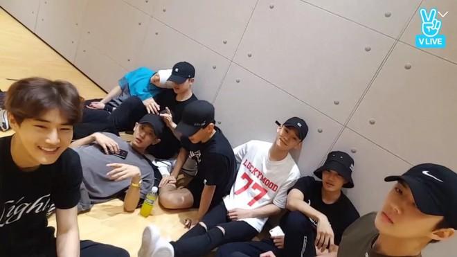 EXO giờ có phải chỉ còn 8 thành viên? - Ảnh 2.