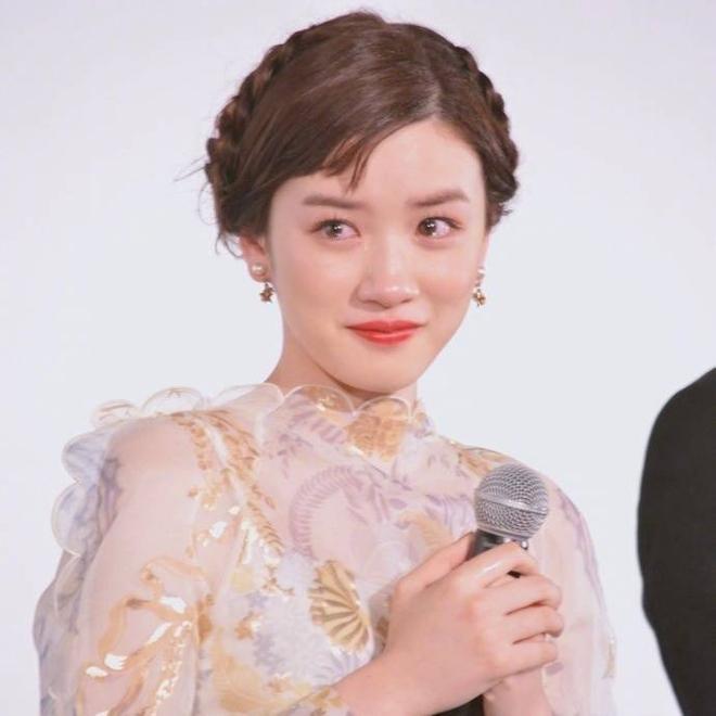 Chỉ vì khóc quá đẹp, nữ diễn viên 18 tuổi Nhật Bản nổi tiếng sau 1 đêm - Ảnh 1.
