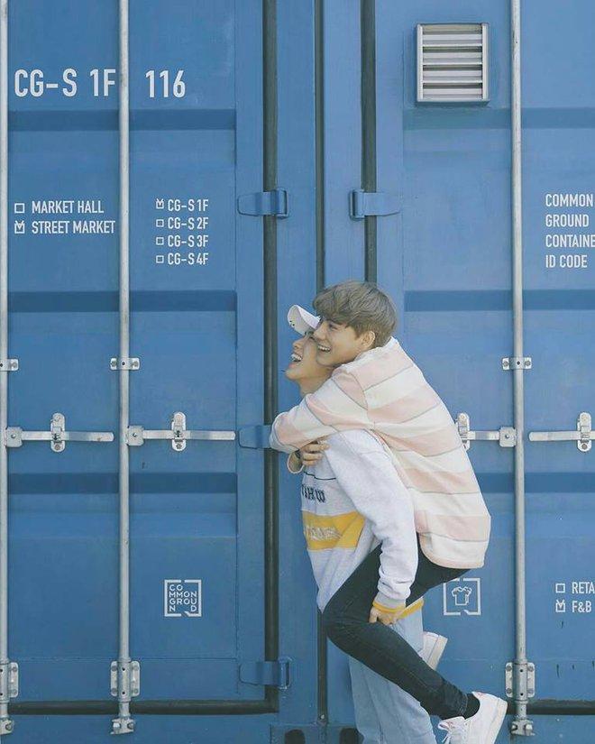 Hot: Both & New Year - cặp đôi đồng tính nổi tiếng nhất Thái Lan sẽ tới Việt Nam vào 2/9 - Ảnh 2.