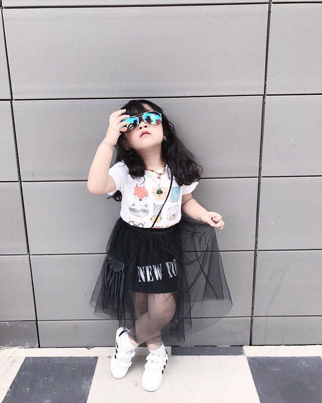 Ai cũng tan chảy khi thấy bé gái xinh xắn bật khóc vì bố dám nhếch mắt nhìn con - Ảnh 5.