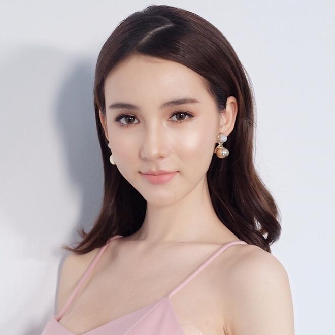 Bị đồn đập mặt xây lại, tân Hoa hậu chuyển giới Thái Lan tung loạt ảnh quá khứ gây bất ngờ - Ảnh 8.