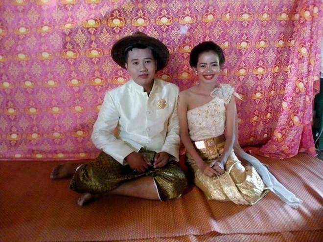 Cô dâu chú rể méo mặt vì thuê nhầm thợ trang điểm 'dởm' trong ngày cưới 2