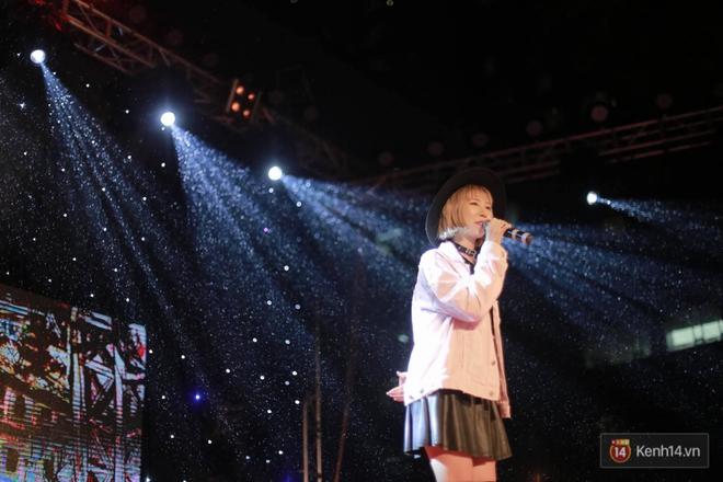 Xuất hiện bất ngờ tại đêm hội Made In 12 của Amser, Min gây náo loạn với bản hit Yêu - ảnh 2