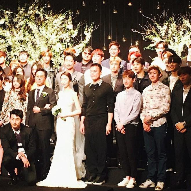 Đám cưới CEO của JYP Entertainment thu hút sự chú ý khi hội tụ dàn sao chưa bao giờ khủng hơn - Ảnh 3.