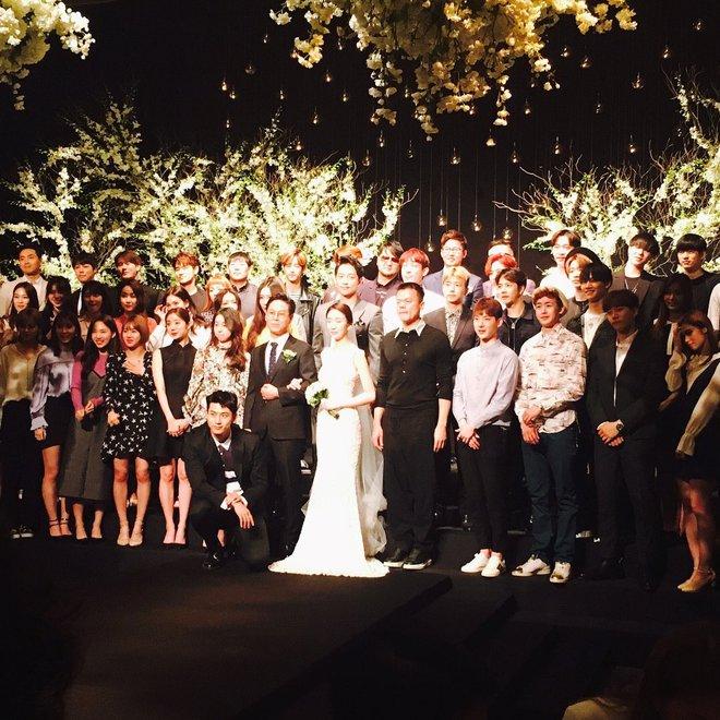 Đám cưới CEO của JYP Entertainment thu hút sự chú ý khi hội tụ dàn sao chưa bao giờ khủng hơn - Ảnh 2.