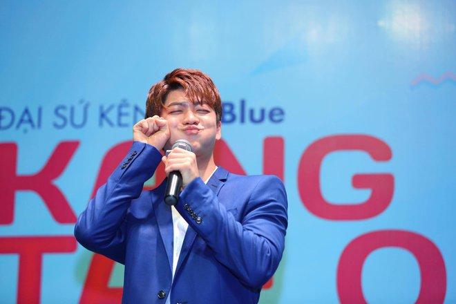 Kang Tae Oh phồng má, chu môi chiều fan Việt cực nhiệt tình - Ảnh 1.