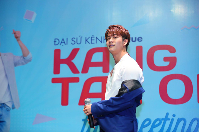 Kang Tae Oh phồng má, chu môi chiều fan Việt cực nhiệt tình - Ảnh 9.