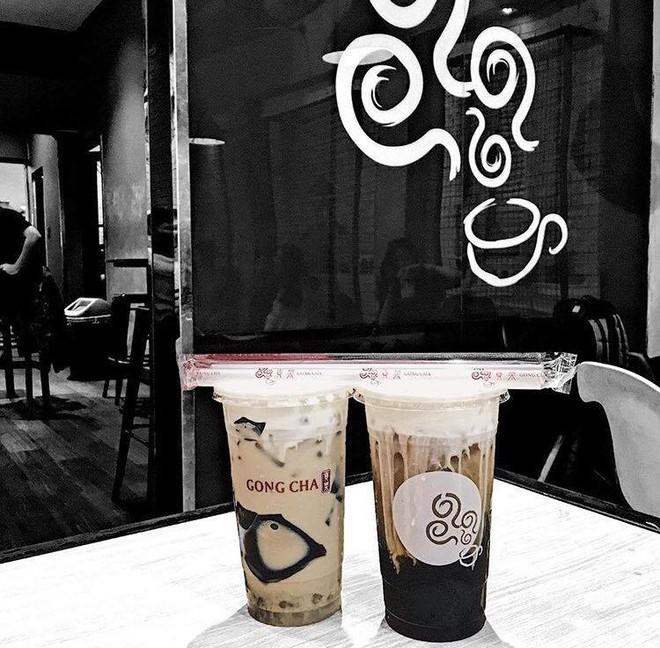 Khu phố đi bộ Nguyễn Huệ đã trở thành phố trà sữa Sài Gòn rồi! - Ảnh 4.