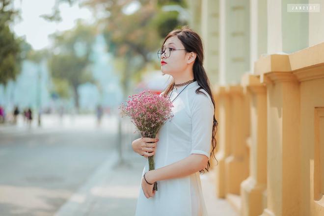 Nữ sinh Hà Nội cõng bạn đi thi, leo 5 tầng lầu: Thấu cảm xảy ra trong từng khoảnh khắc cuộc sống! 5