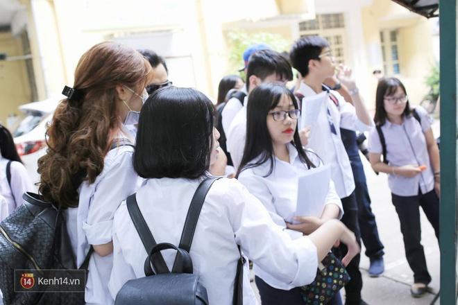 Hơn 866.000 thí sinh làm thủ tục chính thức bước vào kỳ thi THPT 2017 - Ảnh 11.