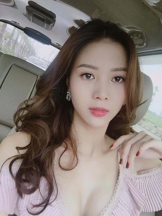 Vũ Ngọc Châm - người yêu mới của Decao sexy hẳn lên sau khi sửa ngực! - Ảnh 2.