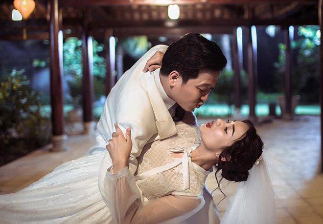 Lại thêm loạt ảnh Trường Giang và Nhã Phương mặc đồ cưới gây xôn xao cộng đồng mạng - Ảnh 3.