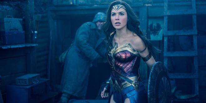 Tưởng phim đầy sạn nhưng hóa ra chị đại Wonder Woman đã tính cả rồi! - Ảnh 2.