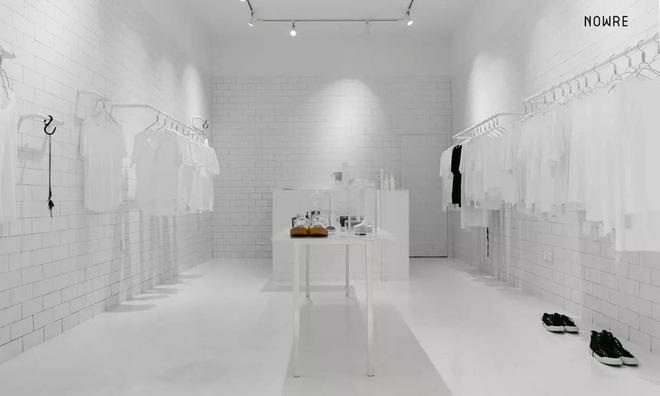 Bắt chước Nhật Bản, Trung Quốc cũng có một shop chỉ bán toàn áo phông trắng sở hữu cái tên kỳ quái: | | - Ảnh 2.