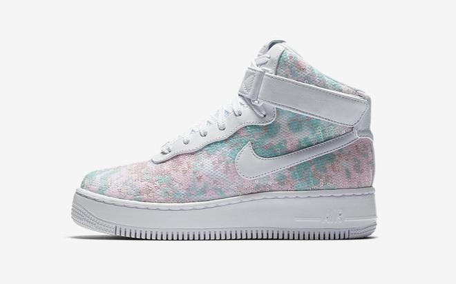 Nike vừa ra mắt sneaker Lọ Lem lóng lánh, chắc chắn con gái sẽ chẳng còn muốn đi giày cao gót nữa - Ảnh 2.