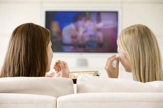 Xem tivi quá lâu có thể gây bệnh nguy hiểm cho cơ thể và đây là cách khắc phục - Ảnh 5.