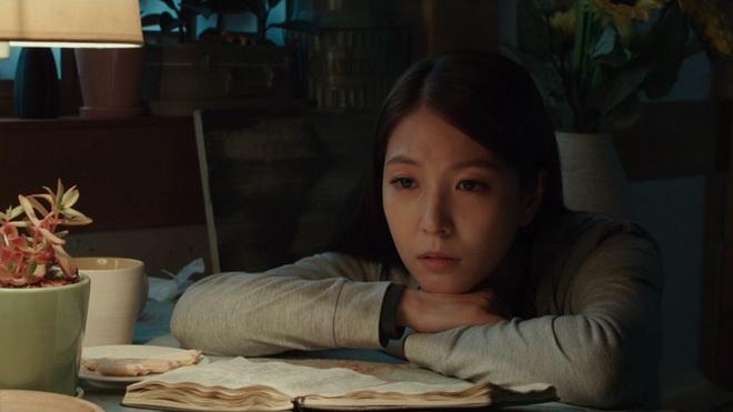 Điện ảnh Hàn tháng 10: Cuộc đổ bộ của loạt ông hoàng phòng vé - Ảnh 27.